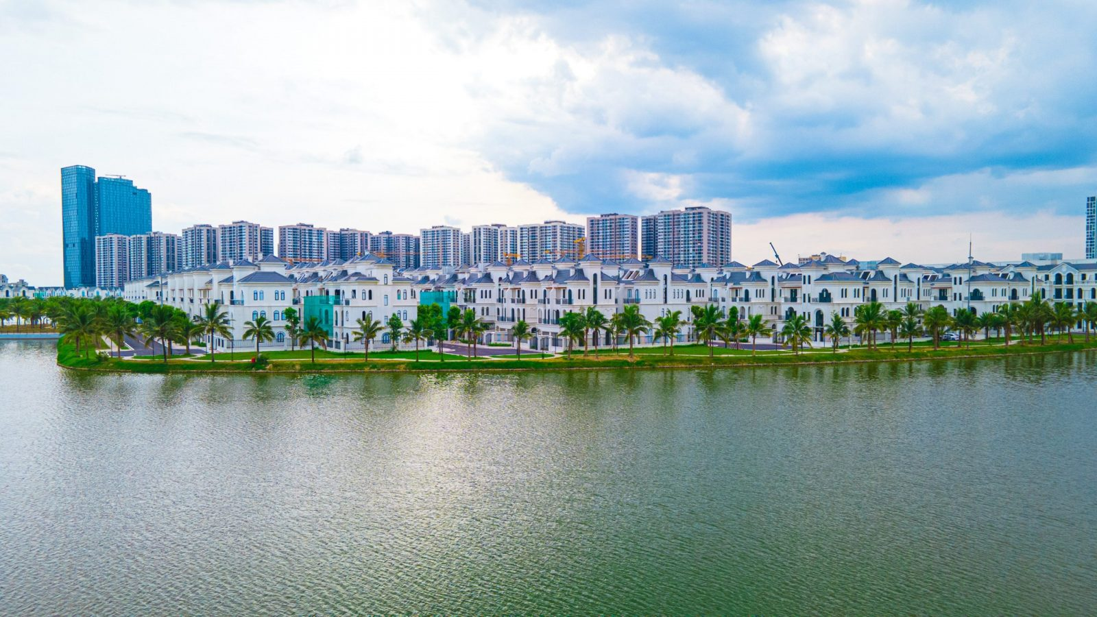 Dự án được chia làm 2 phân khu lớn bao gồm phân khu cao tầng và phân khu thấp tầng