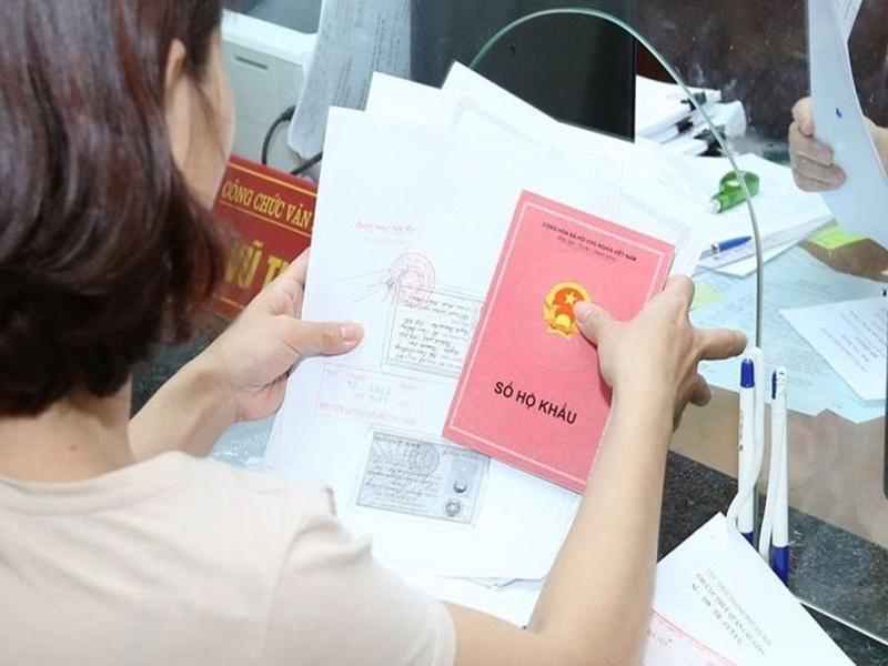 Ban can chuan bi day du ho so truoc khi tien hanh lam thu tuc nhap khau - Theo quy định pháp luật: ở nhà thuê có làm sổ hộ khẩu được không?