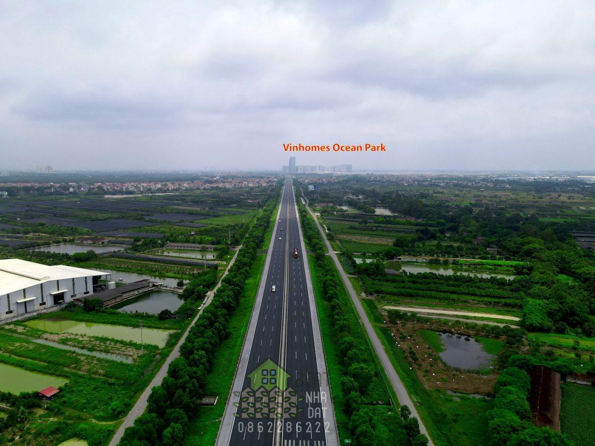 Phía Tây: Giáp đường cao tốc 5B Hà Nội - Hải Phòng