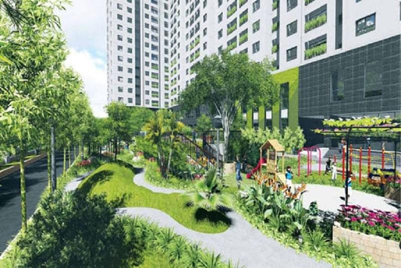 Khuôn viên nhiều cây xanh